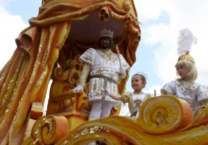 King William Taylor III leads the Krewe of Carrollton is it rolls through Uptown Sunday afternoon. (Sabree Hill, UptownMessenger.com)