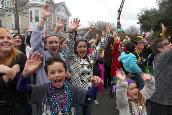 Crowds pack the corner of Magazine and Jefferson during the Okeanos parade in 2012. (UptownMessenger.com file photo by Sabree Hill)