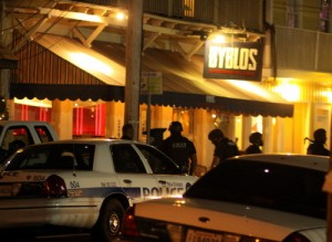 NOPD officers closed Magazine Street for several blocks around Byblos after an armed robbery Tuesday evening. (Robert Morris, UptownMessenger.com)
