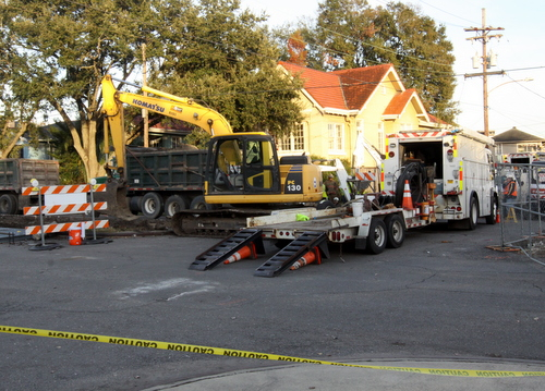 Construction equipment surrounds a gas leak on Jefferson Avenue near Magnolia on Thursday afternoon. (Robert Morris, UptownMessenger.com)