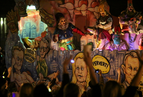 "The Krewe d'Etat ""Manhattan"" floats looks at issues in New York. (Robert Morris, UptownMessenger.com)"