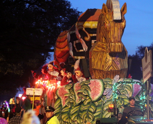 "The Krewe of Sparta ""Trojan Horse"" float rolls up Napoleon Avenue. (Robert Morris, UptownMessenger.com)"