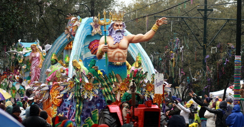 "Rex floats ""Poseidon"" and ""Venus"" bring up the rear of the procession. (Robert Morris, UptownMessenger.com)"