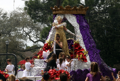 The Queen of the Krewe of Mid-City. (Robert Morris, UptownMessenger.com)
