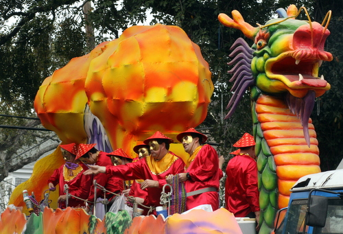 "The Okeanos ""Chinese New Year"" float. (Robert Morris, UptownMessenger.com)"