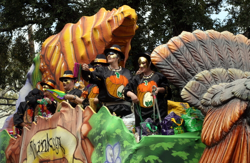 "The Okeanos ""Thanksgiving"" float. (Robert Morris, UptownMessenger.com)"