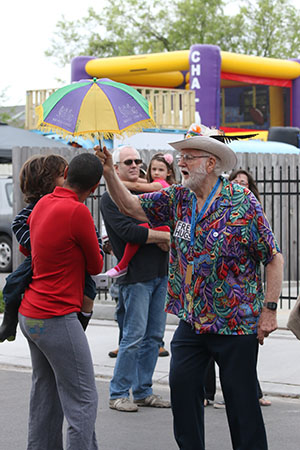 Crowd dances to Chawa at the Freret St. Festival. (Zach Brien, UptownMessenger.com)