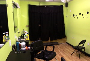 The interior of the damaged 59 Designz salon on LaSalle Street. (Robert Morris, UptownMessenger.com)