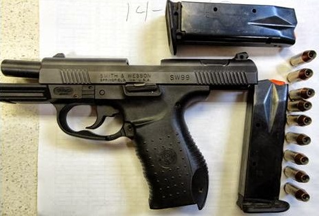 A .40-caliber Smith & Wesson handgun discovered at Louis Armstrong airport in March (via tsa.gov)
