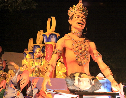"The Krewe of Hermes ""Salome"" float rolls up Napoleon Avenue. (Robert Morris, UptownMessenger.com)"