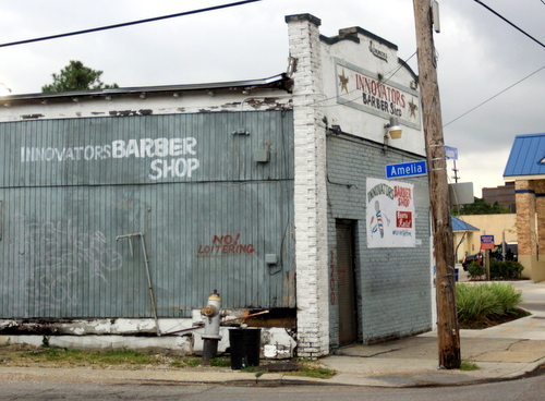 The Innovators Barber Shop on South Claiborne Avenue was robbed at gunpoint on Saturday. (Robert Morris, UptownMessenger.com)
