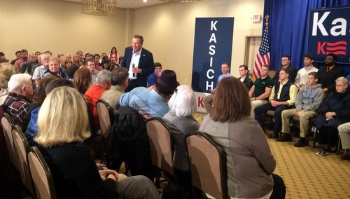 Ohio Gov. John Kasich meets with Louisiana voters at a town hall in Metairie. (photo by Danae Columbus for UptownMessenger.com)