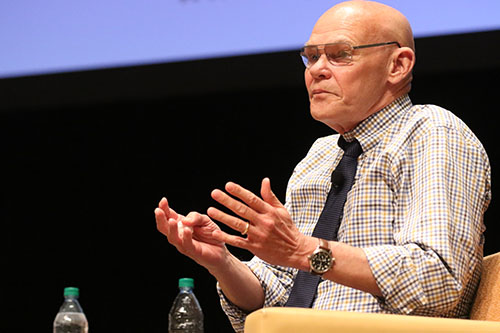 James Carville speaks about the 2016 presidential election in Rousell Hall at Loyola University as part of the Ed Renwick lecture series. Carville, a Democrat, and Matalin, a Conservative, are two prominent speakers in their respective political circles. (Zach Brien, UptownMessenger.com)