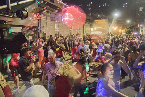 """The Krewe of O.A.K. celebrated the 30th anniversary of Mid Summer Mardi Gras with the theme """"Get Wet"""". (Zach Brien, UptownMessenger.com)"""